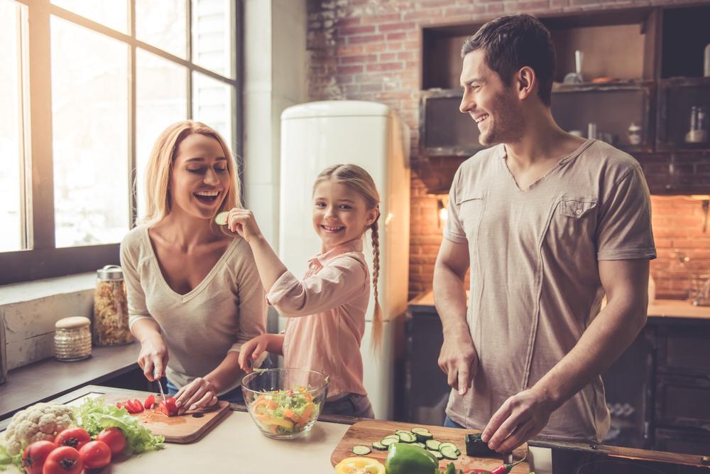Mahlzeit: 5 Gründe weshalb es für dein Kind wichtig ist, mit Mama und Papa zu essen