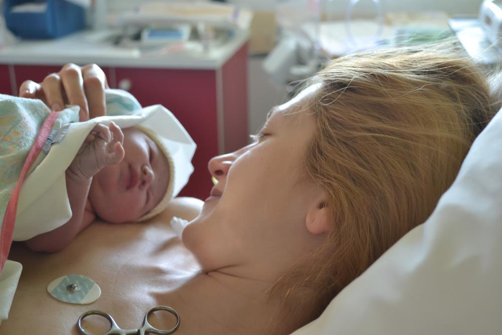 Kurz und knackig: Das sind die Vorteile einer Geburt ohne Kreuzstich