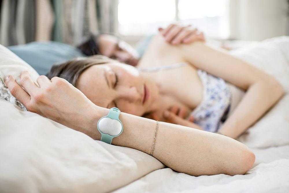 Nie wieder auf Stäbchen pinkeln: Ersetzt dieses Armband den Schwangerschaftstest?