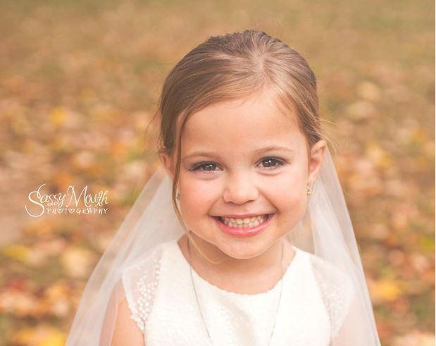 Die Hochzeitsfotos dieser 5-Jährigen sind wunderschön!