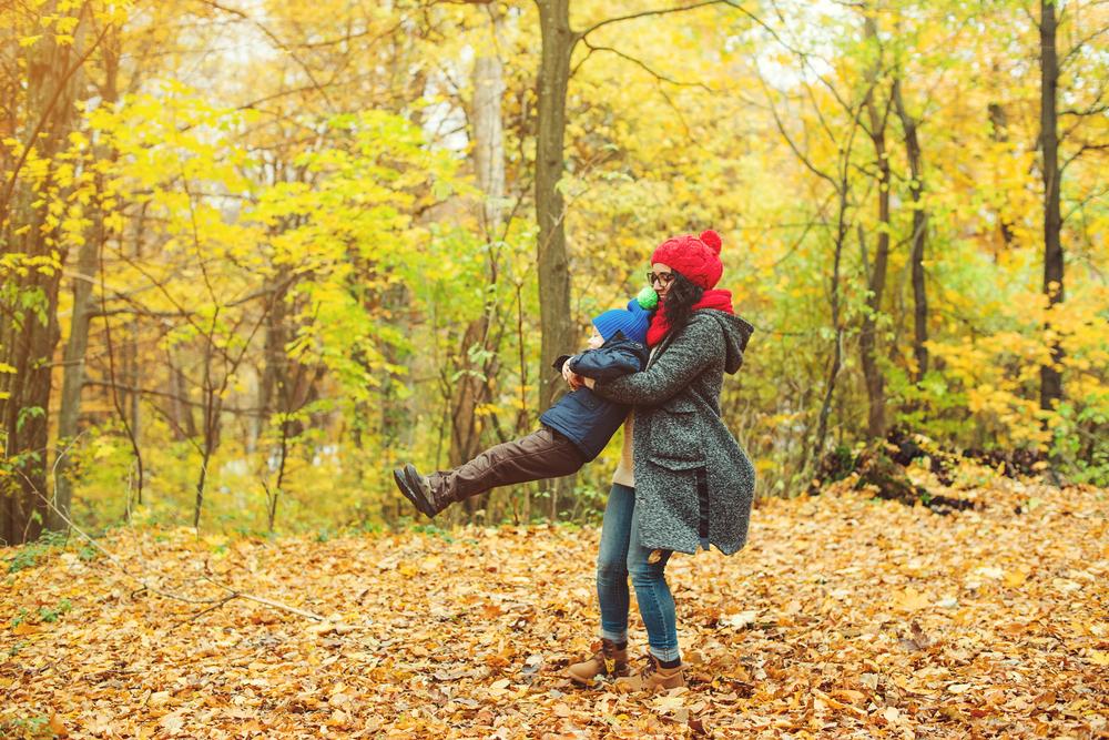 Power-Mum: So raubt dir der Herbst nicht die Energie