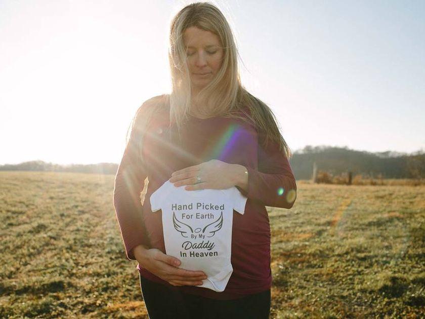 Engel: Diese Mutter sieht ihren verstorbenen Mann in ihren Schwangerschafts-Fotos