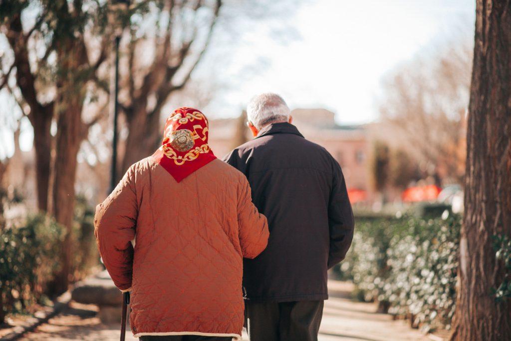 Langes Leben: Je mehr eure Babys bei Oma und Opa sind, desto besser!