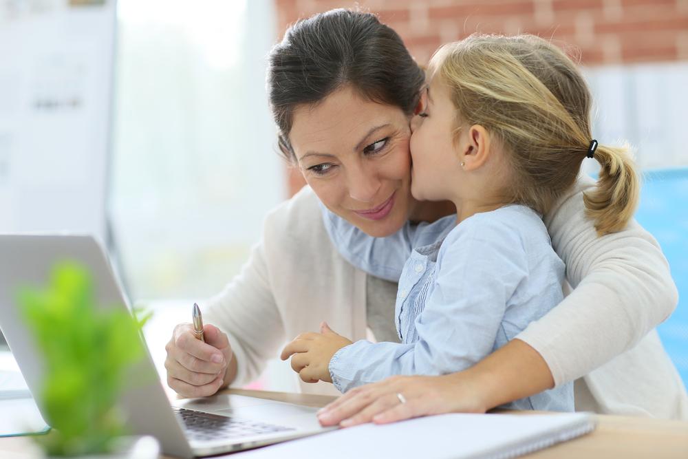 Ungerecht: So viele Stunden arbeiten Mütter ohne Gehalt