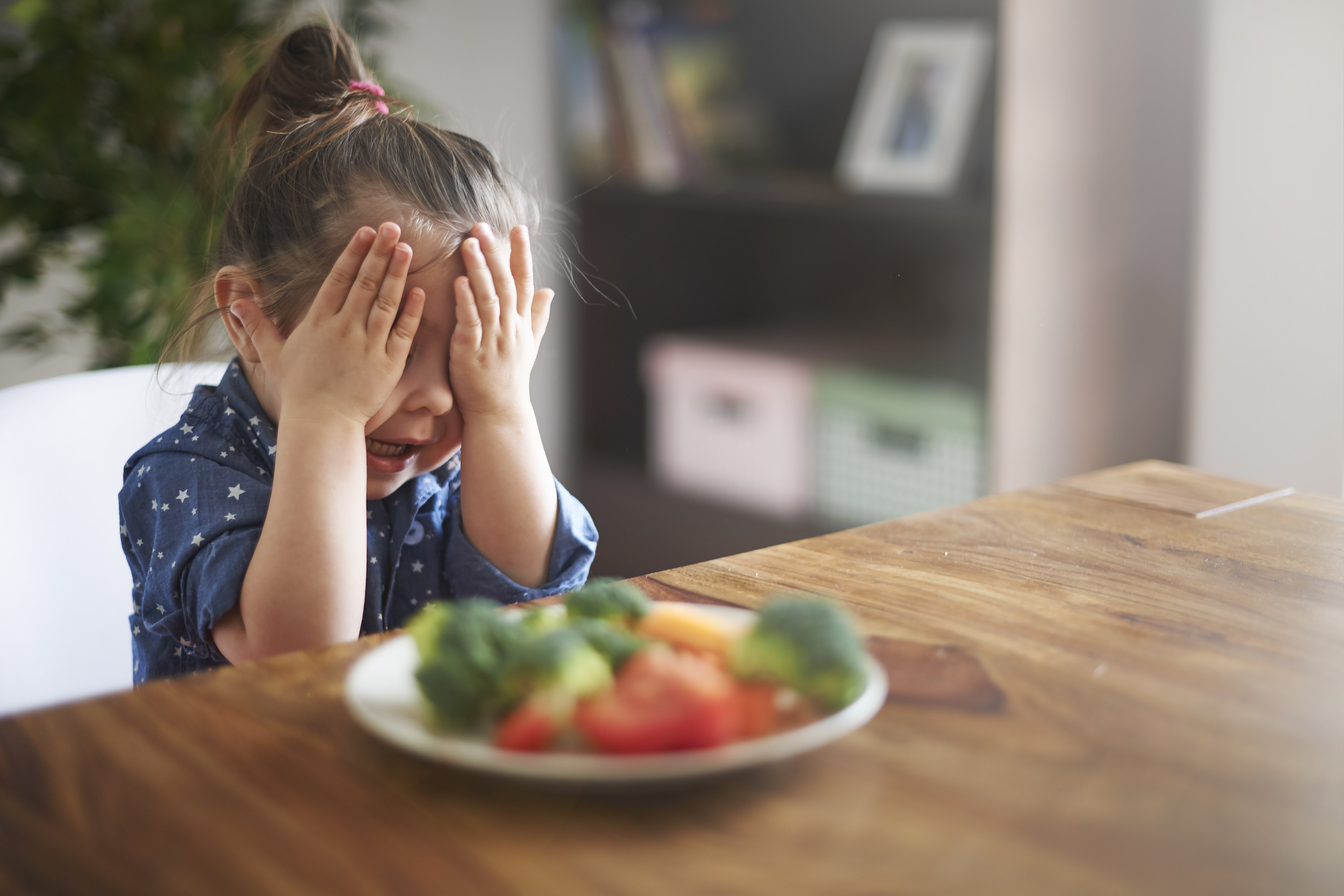 So bringst du dein Kind dazu Gemüse zu essen