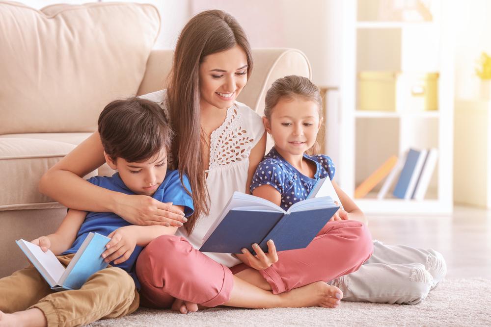 Wie Eltern ihre Kinder richtig beim Lesen unterstützen können