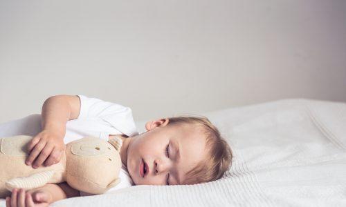 5 Tipps um dein Kind zum Mittagsschlaf zu bewegen