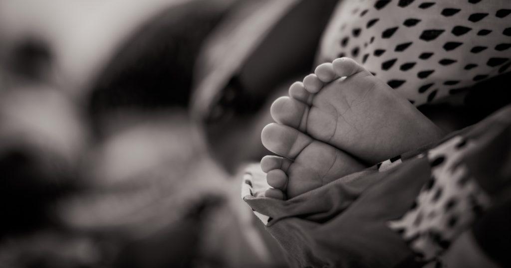 In Amerika gibt es ein Freiwilligenprojekt, um mit drogenabhängigen Babys zu kuscheln