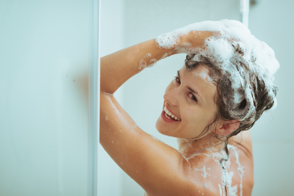 Ist es gefährlich, in der Schwangerschaft nach vorne gebeugt Haare zu waschen?