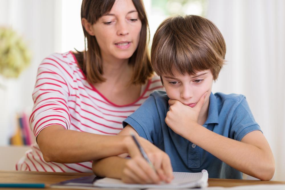 So erleichterst du deinem Kind die Hausübungen aus der Schule