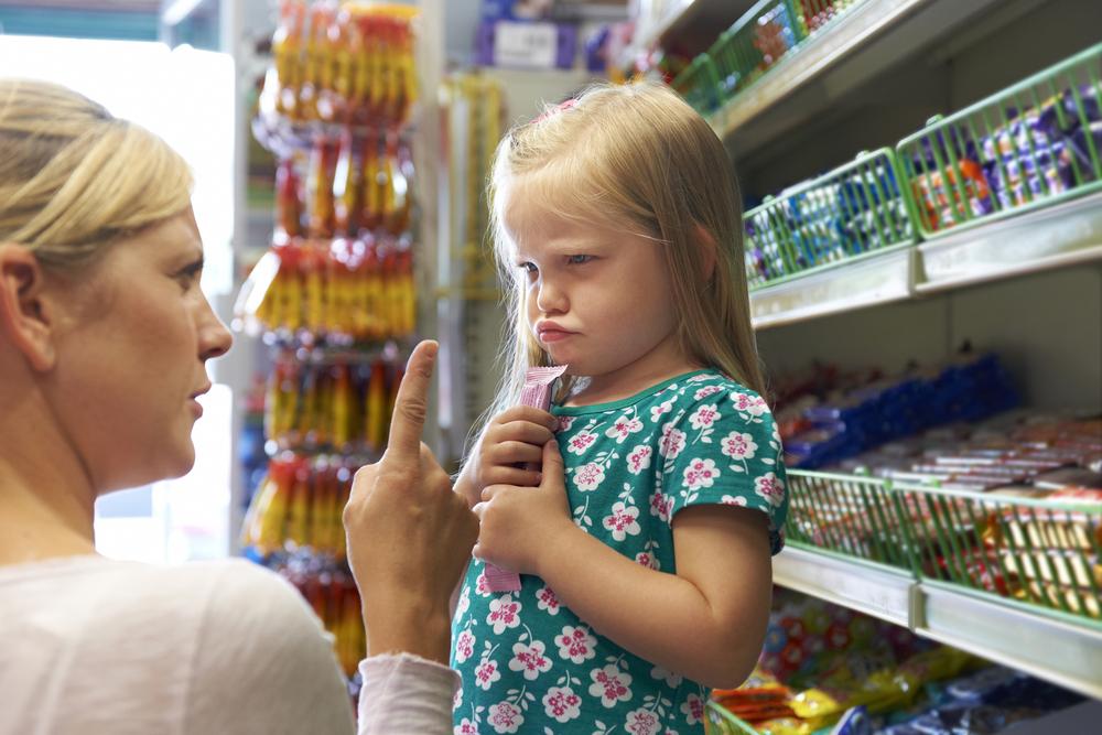 Unbewusst: Mit diesen 3 Dingen zerstörst du das Selbstwertgefühl deines Kindes
