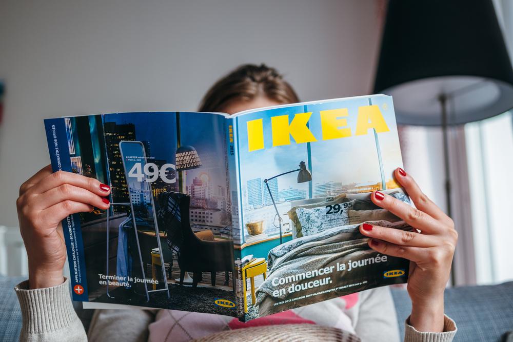 Schwanger? Wieso IKEA will, dass Frauen auf ein Magazin urinieren