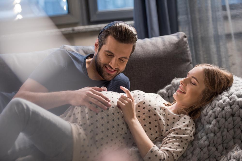 Was dein Partner und du unbedingt noch unternehmen solltet, bevor euer Baby kommt