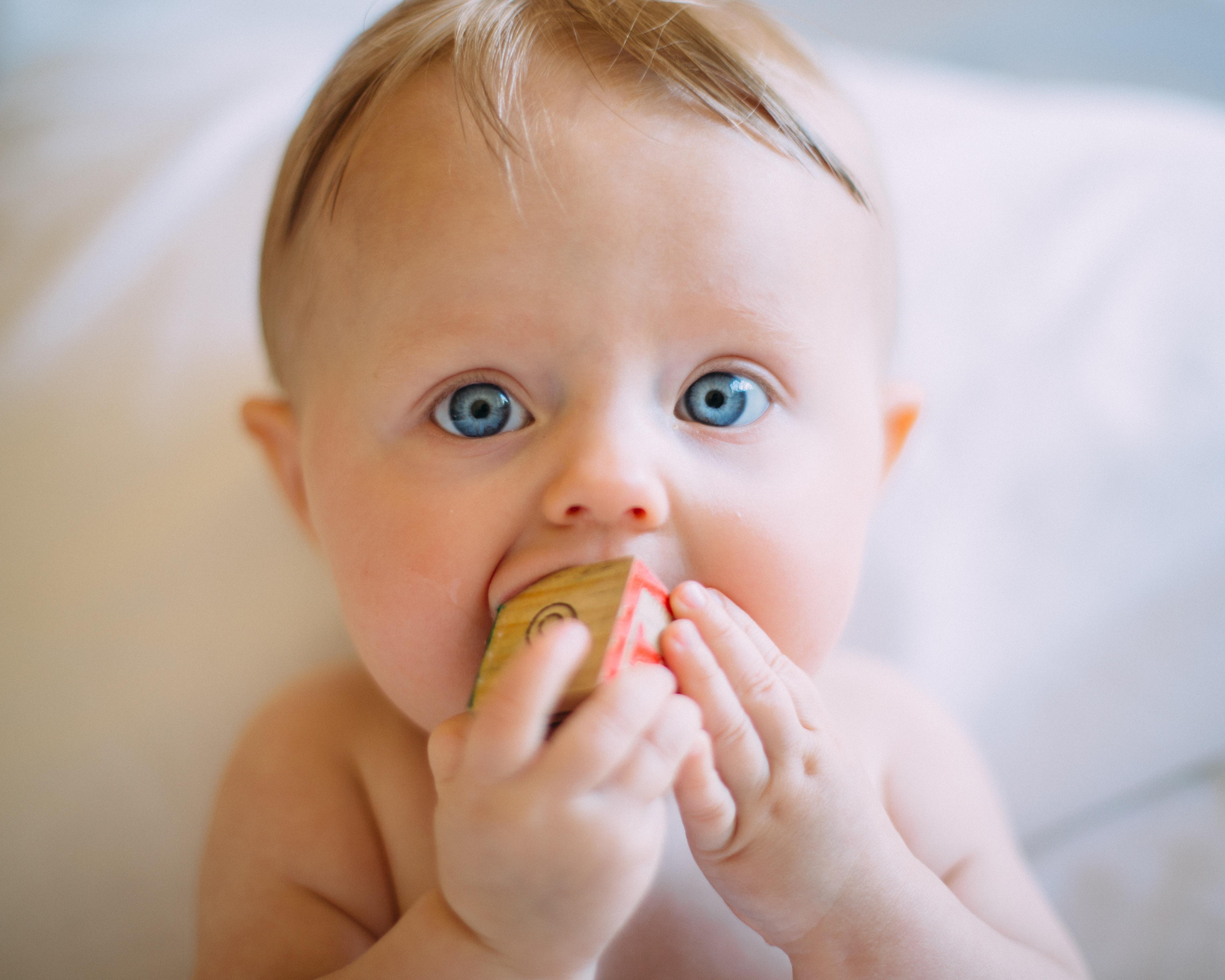 Babys erster Brei: Tipps für die Einführung der Beikost
