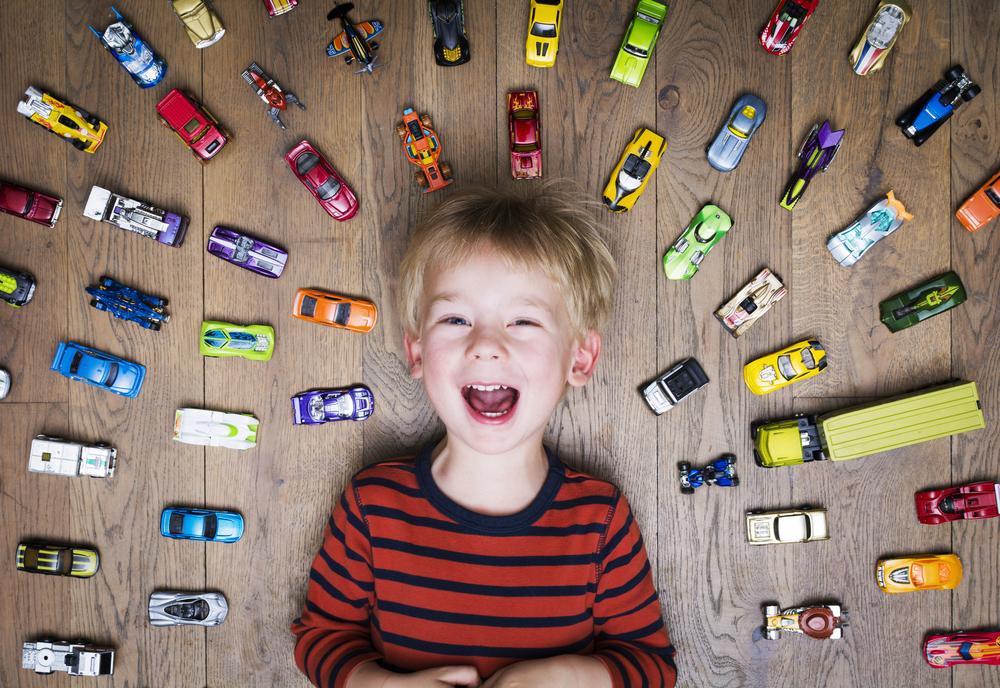 Weg mit dem ganzen Spielzeug: Kinder kommen mit weniger aus