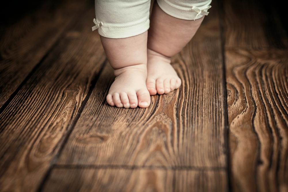 Wenn dein Baby in diesem Alter noch nicht gehen kann, solltest du einen Arzt aufsuchen