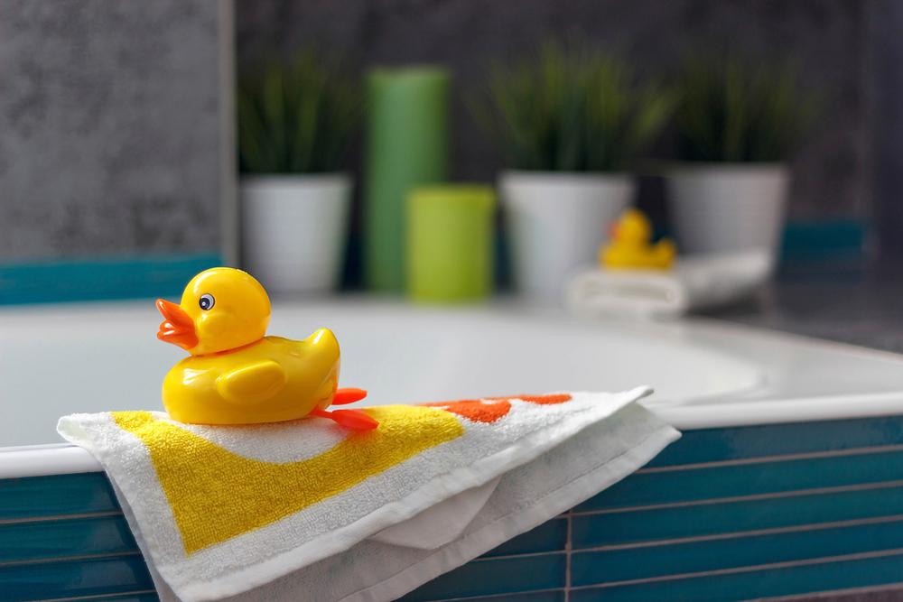 So viele Keime und Bakterien stecken wirklich in den Bade-Enten
