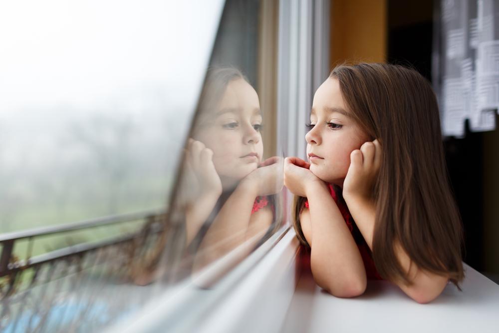 Ab wann darf man sein Kind alleine zuhause lassen?