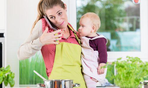Wieso wir Mütter aufhören sollten, alles unter einen Hut bringen zu wollen