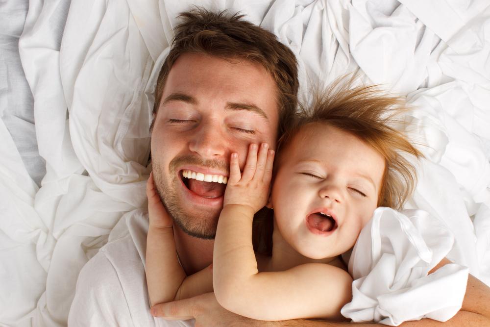Ganz der Papa: Weshalb Babys, die dem Vater ähnlich sehen, gesünder sind