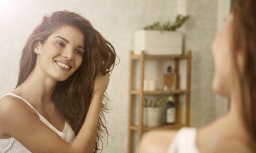Dieser Beauty-Hack schenkt euch auch in stressigen Zeiten glänzendes Haar