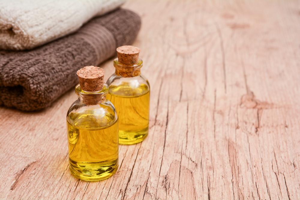 Allzweckwaffe Öl: Natürliche Mittel gegen Warzen, Nagelpilz oder Zecken