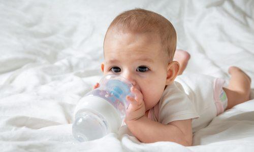 Die 5 Anzeichen dafür, dass dein Kind dehydriert ist