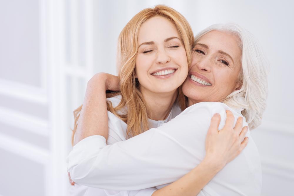Ab diesen Alter werden wir unserer Mutter immer ähnlicher