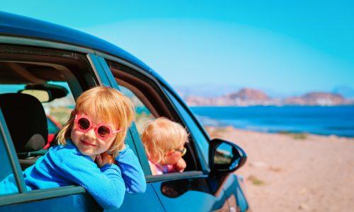 Urlaubszeit: 5 Tipps für lange Autofahrten mit Kleinkind