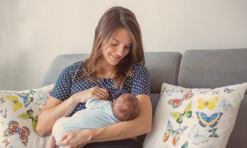 Mama aus Australien benützt Vibrator um besser zu Stillen