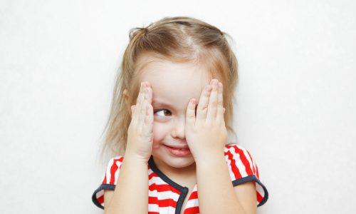 Viereckige Augen, Geisterstunde und Co: 5 Lügen, die wir als Kinder geglaubt haben
