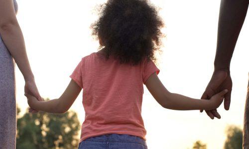 Das macht Liebe mit dem Gehirn deines Kindes
