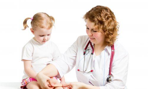 Kinder empfinden Schmerzen stärker, wenn sie angekündigt werden