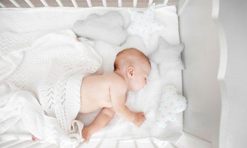 Hitzewelle: So schläft dein Baby auch bei heißen Sommernächten durch