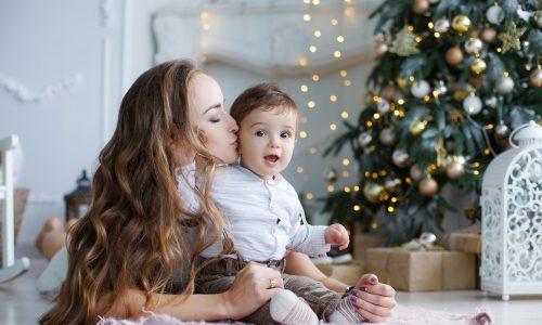 Über diese 5 Weihnachtsgeschenke freuen sich frischgebackene Mamas wirklich