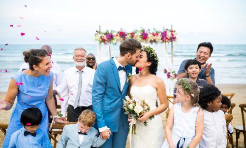 Hochzeit mit Kind: So könnt ihr eure Kleinen miteinbeziehen