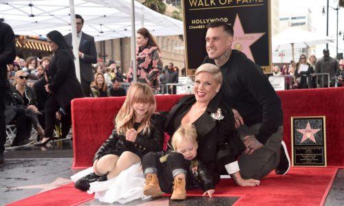 Pink: Kinder basteln ihr einen eigenen Grammy