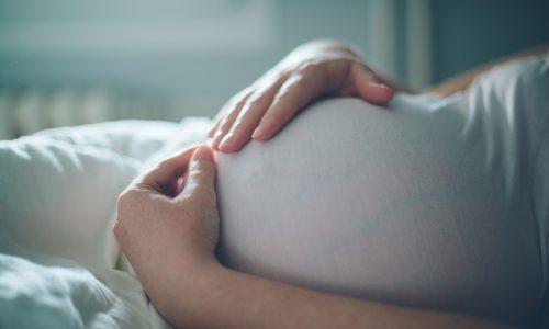 Frau wird nach 18 Fehlgeburten mit 48 zum ersten Mal Mutter