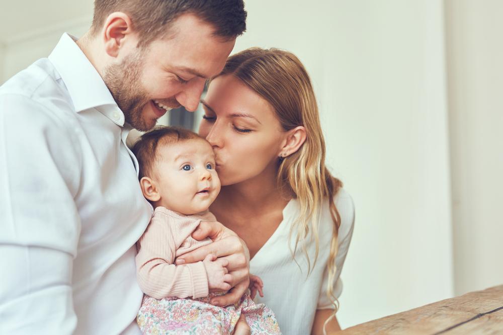 Laut Studien wird dieses Kind von den Eltern öfter bevorzugt
