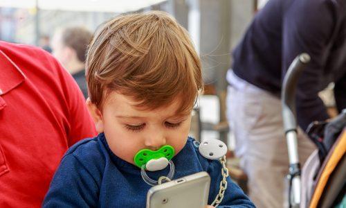 Smartphones beeinträchtigen die Entwicklung der Kinder