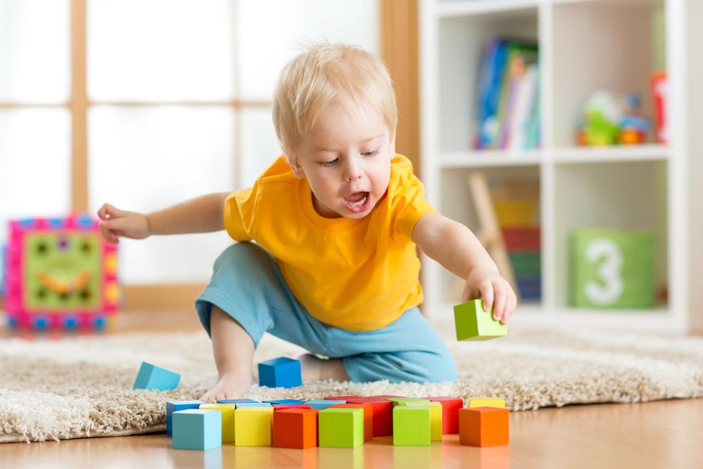 Tipps wie du ganz einfach neue Spielideen für dein Kind selbst entwickeln kannst