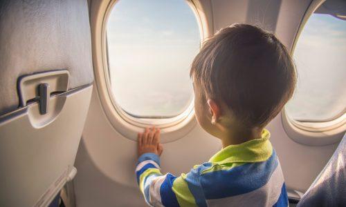 US-Studie fordert bessere Erste-Hilfe-Maßnahmen für Kinder beim Fliegen
