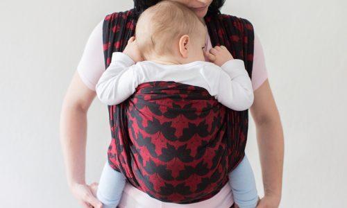 Warum du dein Baby immer mit dem Gesicht zu dir tragen solltest