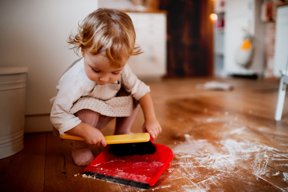 5 Tipps: So bringst du dein Kind dazu aufzuräumen