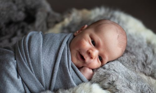 4 Gewohnheiten, die bei Babys normal sind