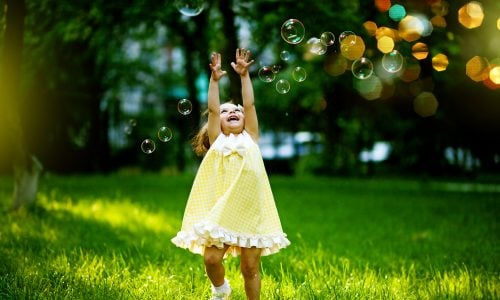 Studie: Kinder machen glücklich, wenn sie bereits ausgezogen sind