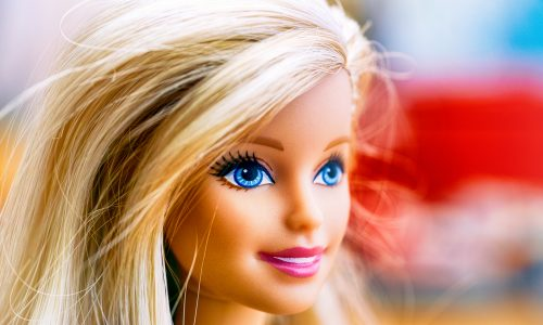 Geschlechtsneutrale Barbie: Neue Puppe am Markt