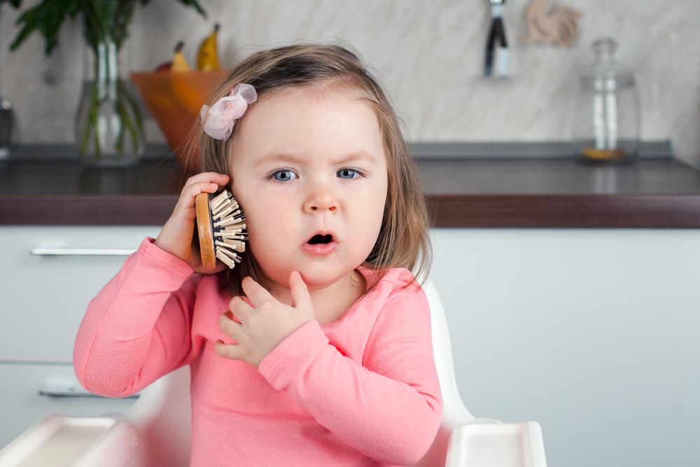 Wie du die sprachliche Entwicklung deines Kindes spielerisch fördern kannst