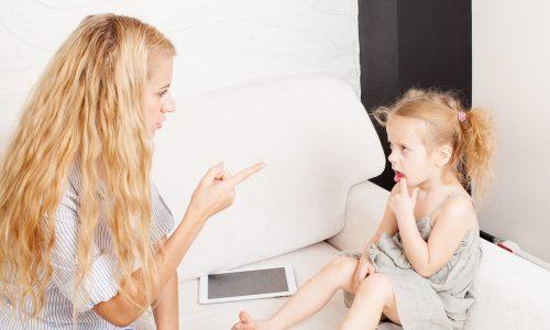 6 Dinge, die du niemals zu deinem Kind sagen solltest