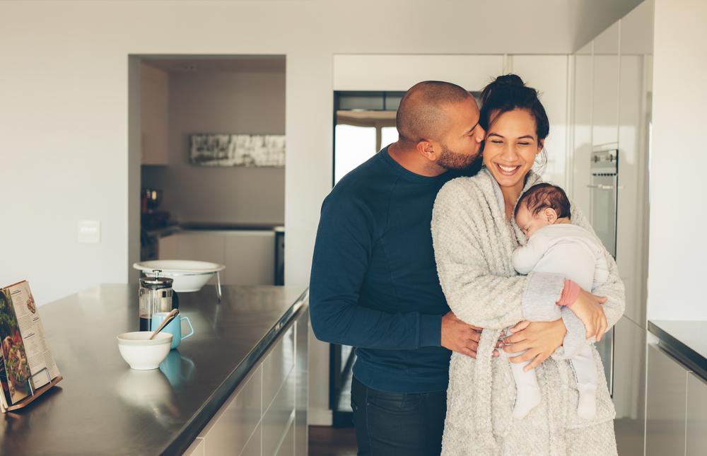 6 Gründe, warum die Geburt des ersten Kindes für jede Beziehung zur Belastung werden kann